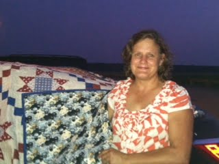 Quilt raffle winner Lori Shea of Columbus, NJ